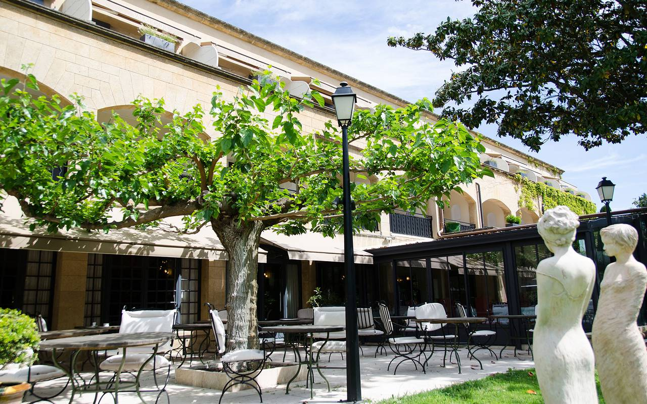Terrace of the bistro hotel spa provence