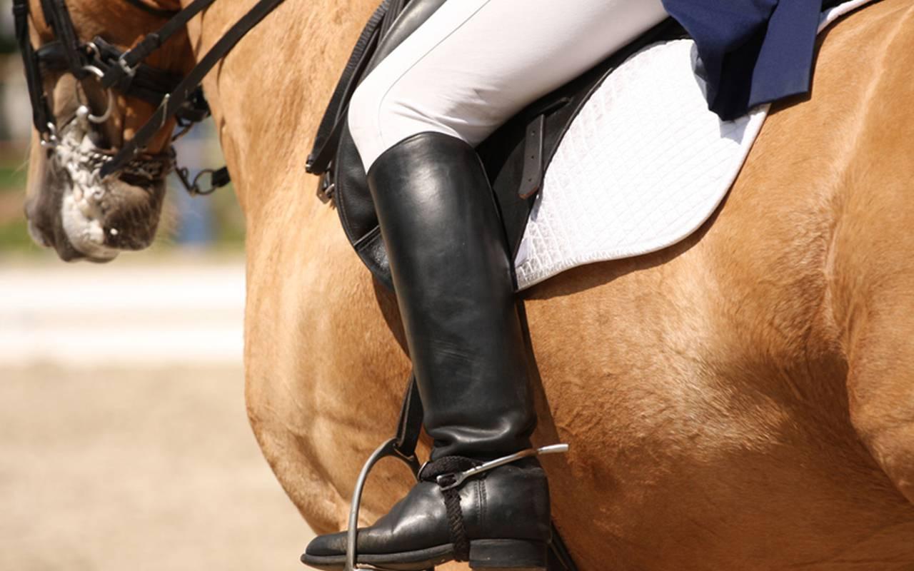 Horseback riding activity, luxury stay in provence saint remy de provence, Le Vallon de Valrugues & Spa.