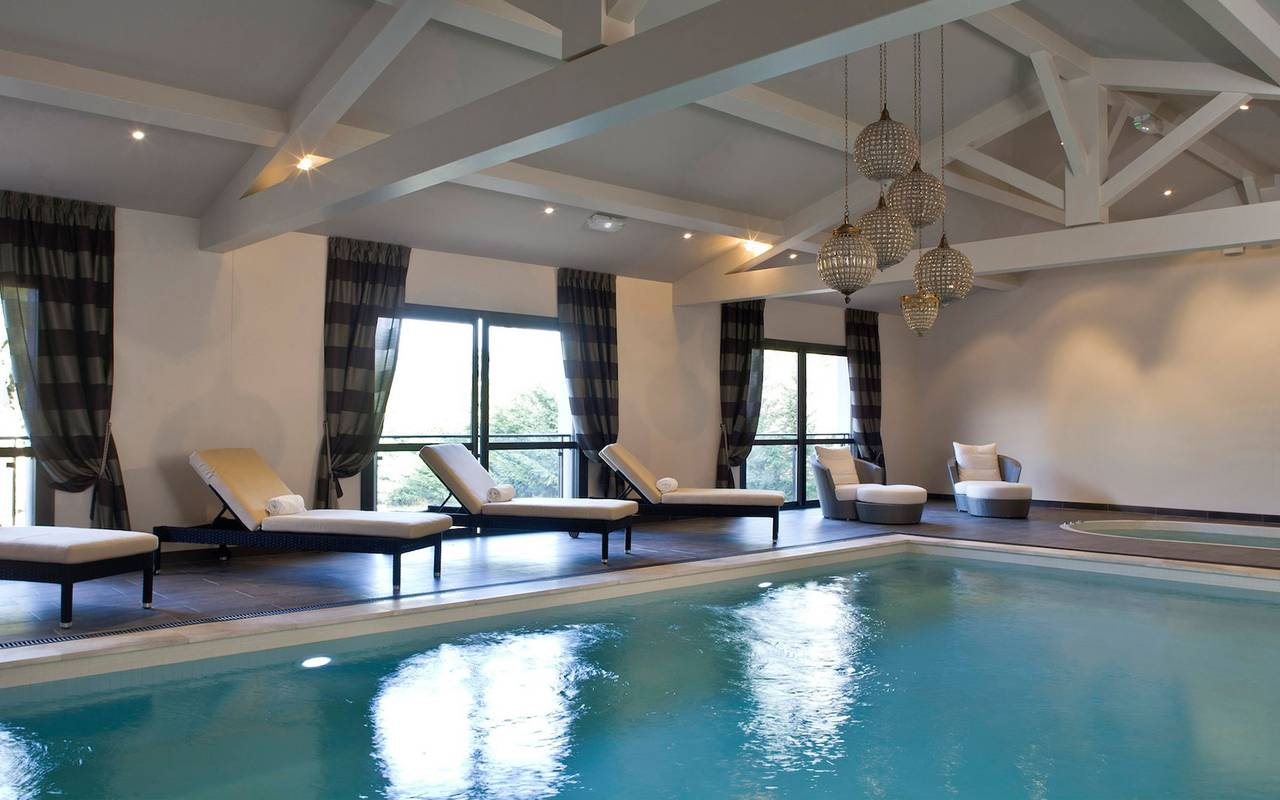 Indoor swimming pool of our hotel spa saint de remy de provence, Le Vallon de Valrugues & Spa.