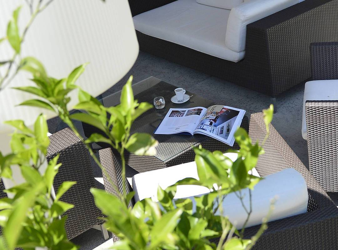 Terrasse ensoleillée, hôtel de charme saint remy de provence, Hôtel de l'Image.