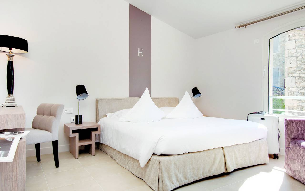 Chambre décoration épurée, hôtel luxe St-Remy-de-Provence, Hôtel L'Image.