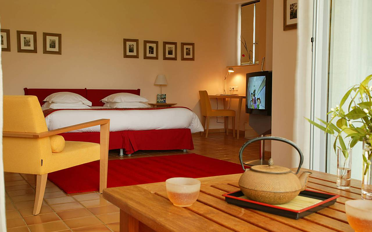 Chambre confortable avec lit double, hôtel de charme provence, Hôtel L'Image.
