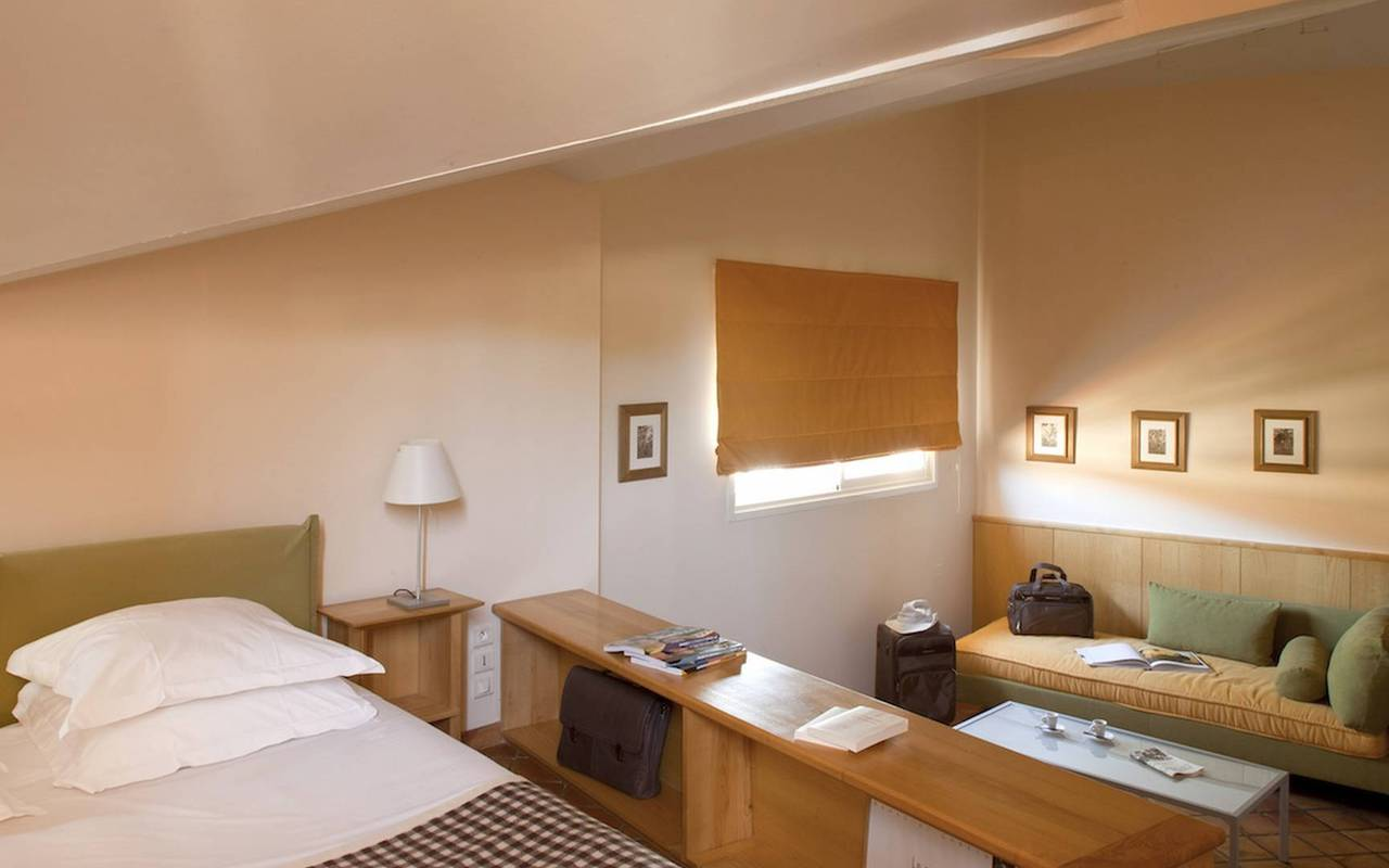 Chambre agréable avec lit, hôtel charme Provence, Hôtel de L'Image.