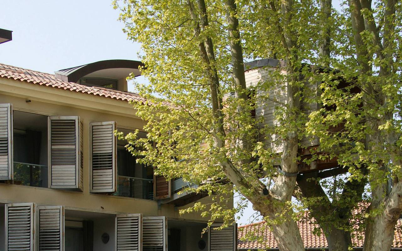 Logement atypique en pleine nature, hotel avec piscine provence, Hôtel de L'Image.