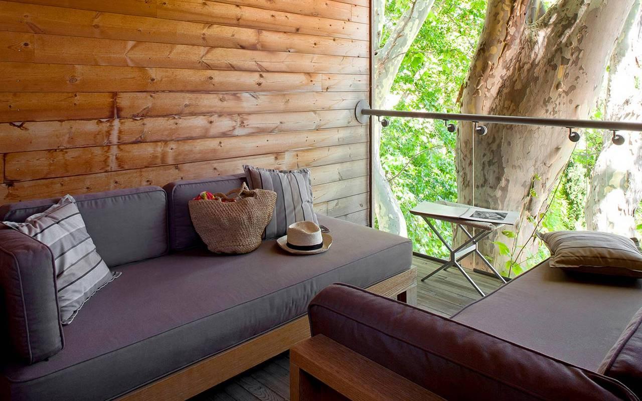 Canapés confortables dans un logement en bois, hotel avec piscine provence, Hôtel de L'Image.
