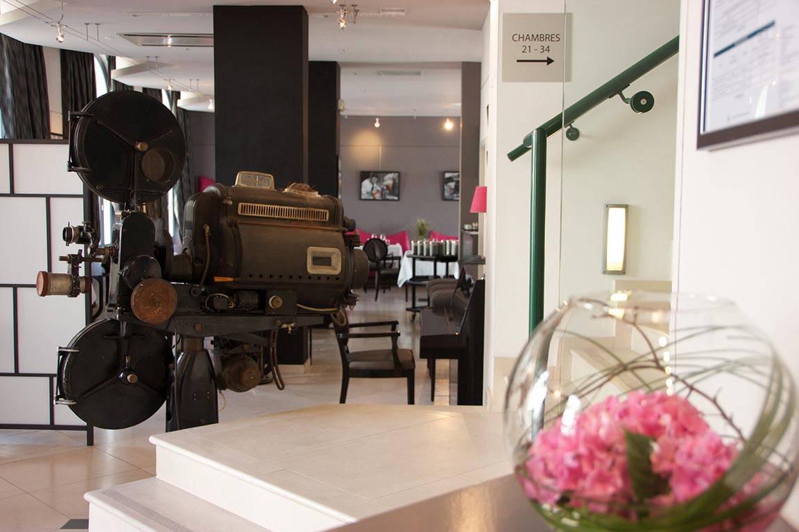 Espace convivial hôtel de charme décoration moderne en Provence