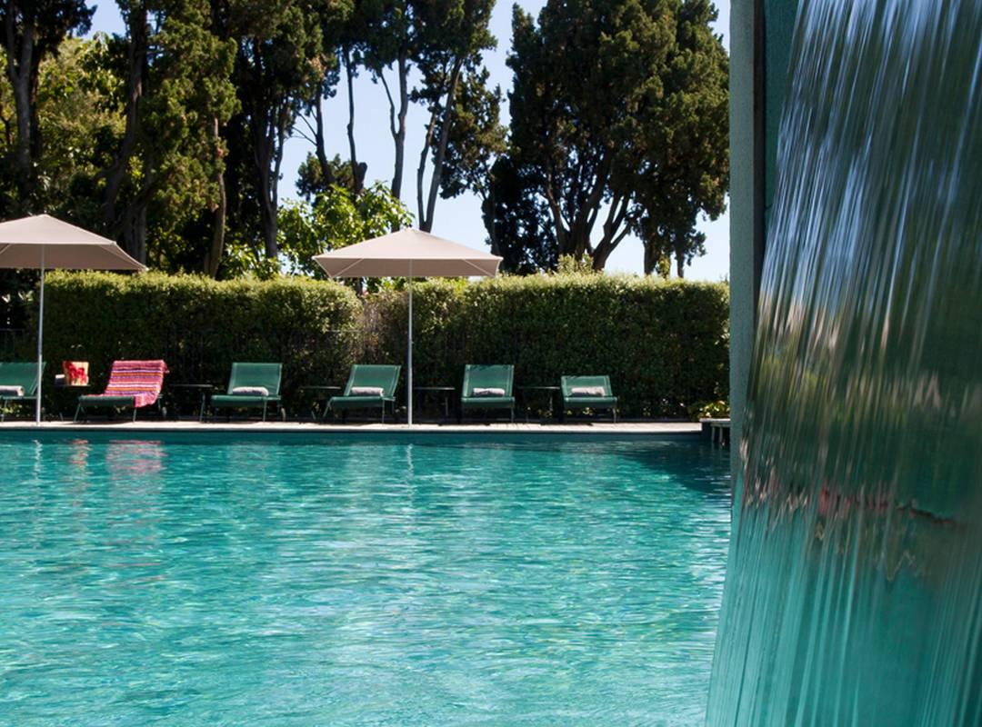 Grande piscine pour toute la famille, hôtel de luxe en provence, Hôtel de L'Image.