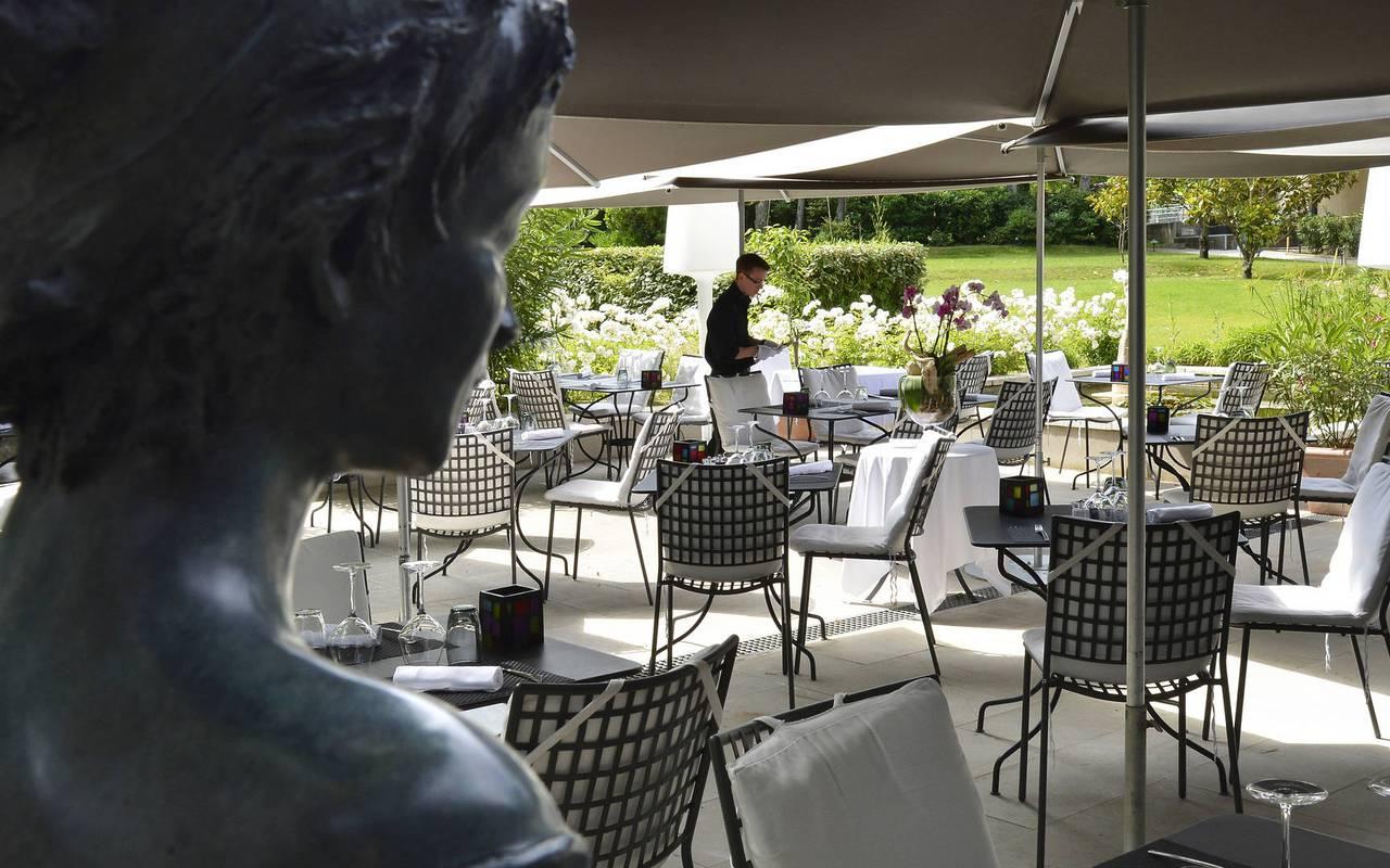 Hôtel avec terrasse et piscine à Saint-Rémy-de-Provence, hôtel de luxe en provence, Hôtel de L'Image.