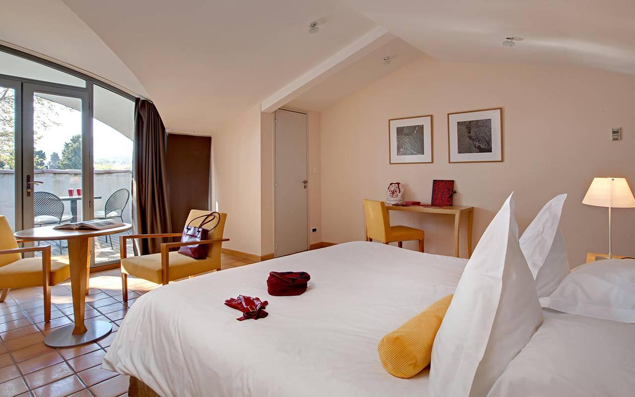 Suite de luxe tout confort avec lit double, hotel de luxe en provence, Hôtel de L'Image.